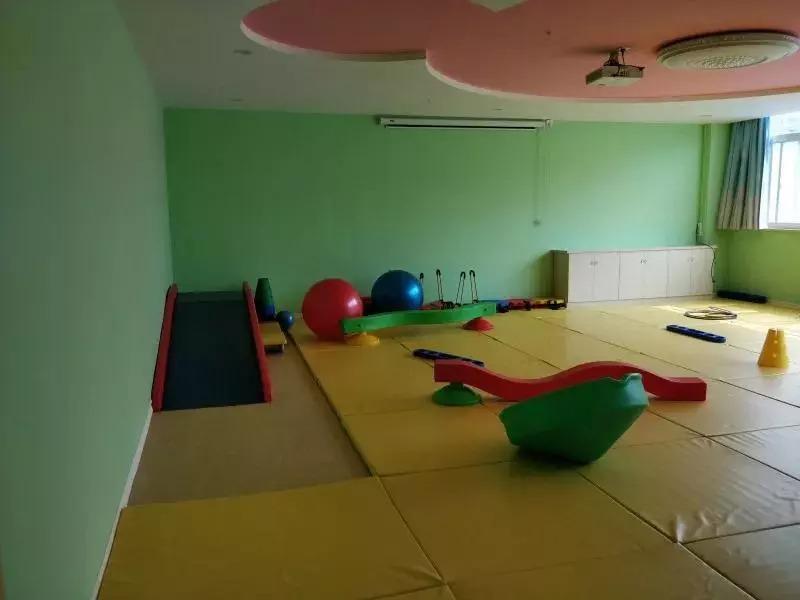 欧美幼幼??.?9.b9d#yke_哈奇幼幼园坚持给孩子成长所需要的环境, 我们提供以孩子为中心的