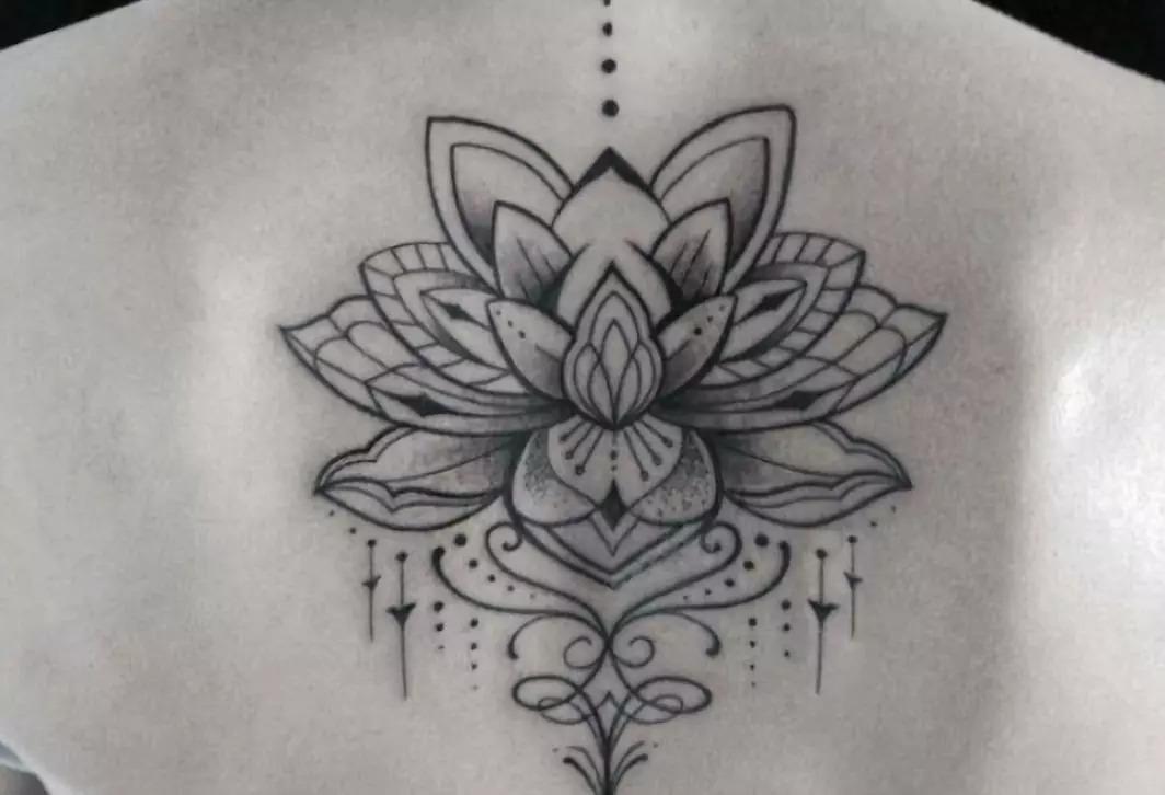 那些很酷的瑜伽纹身,究竟有什么深层含义?