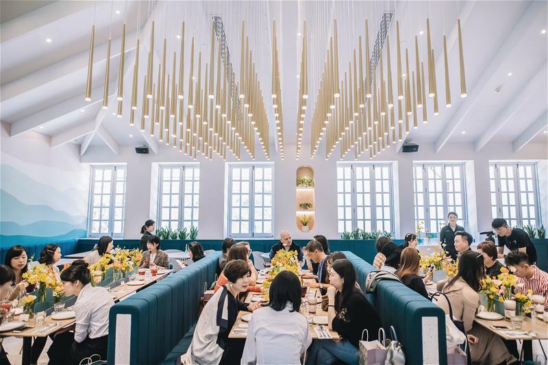 """36氪独家   「gaga鲜语」获 1.8 亿人民币 A 轮融资,用""""茶饮+轻食""""做年轻人的第三空间"""