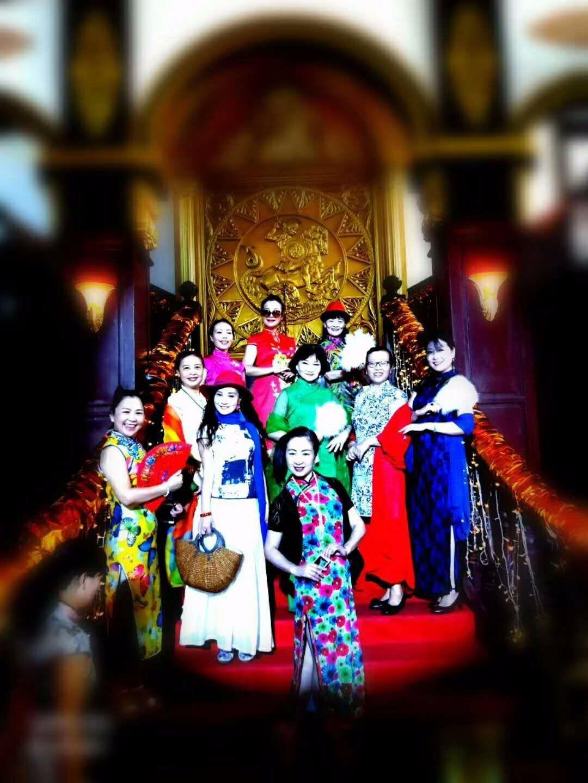 """穿上旗袍""""时空穿越""""华东粉丝团打卡湖州影视城体验老上海风情"""