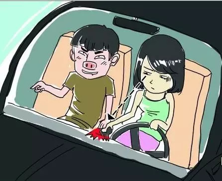 女学员被驾校教练强拉进酒店刚想……男友拿大棒狠揍无耻徒!