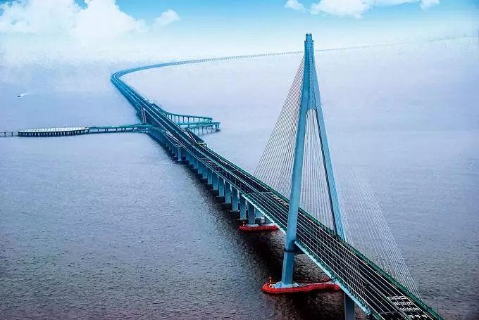 港珠澳大桥 通行费标准正式出炉,到底是便宜还是贵