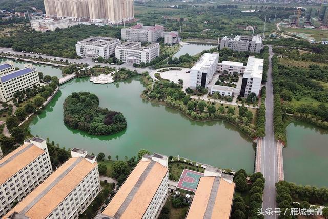 高空俯瞰,湖光潋滟,风景如画,不一样的视角别样美.