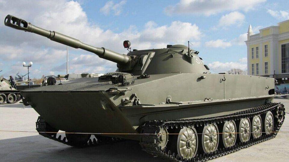 pt-76水陆坦克