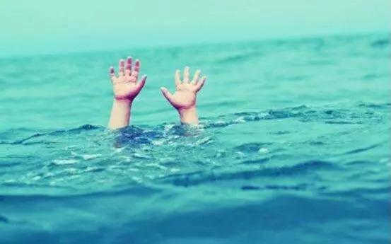 事发大连!男子发现女童呛水,慌忙跳进泳池!接下来的事他万万没想到…