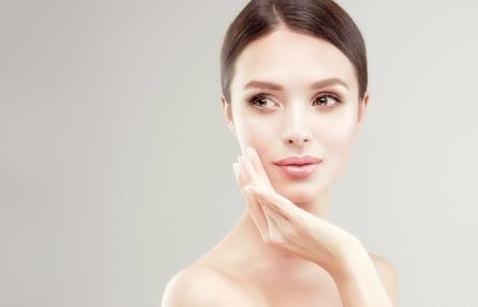 可儿聊护肤:激素脸怎样选择适合的护肤品呢?图片