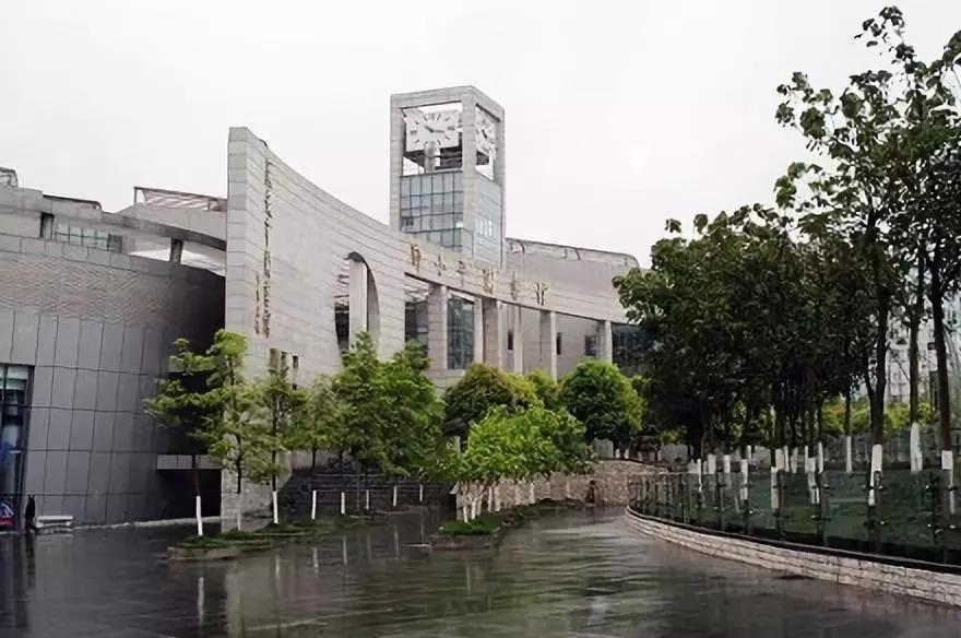 李建勤在思源广场,邓小平图书馆和邓小平故里调研时,提出这些要求