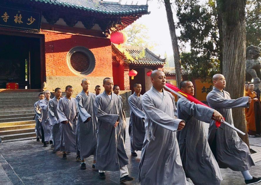 少林寺升起国旗,迎来的竟然是某些国人的谩骂!