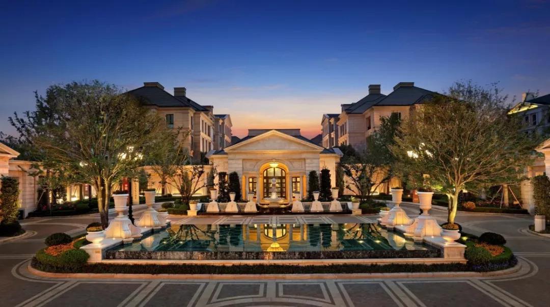 它是苏州唯一一家法式宫殿式私人会所别墅酒店,为客人提供私人管家图片