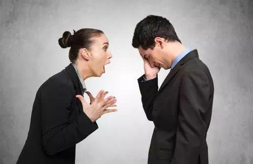 面对夫妻冲突时,要么一味忍让,只求息事宁人,大事化小,小事化无;要么