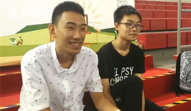 中农大两名新生同名同岁同专业同寝室 热搜事件 图2