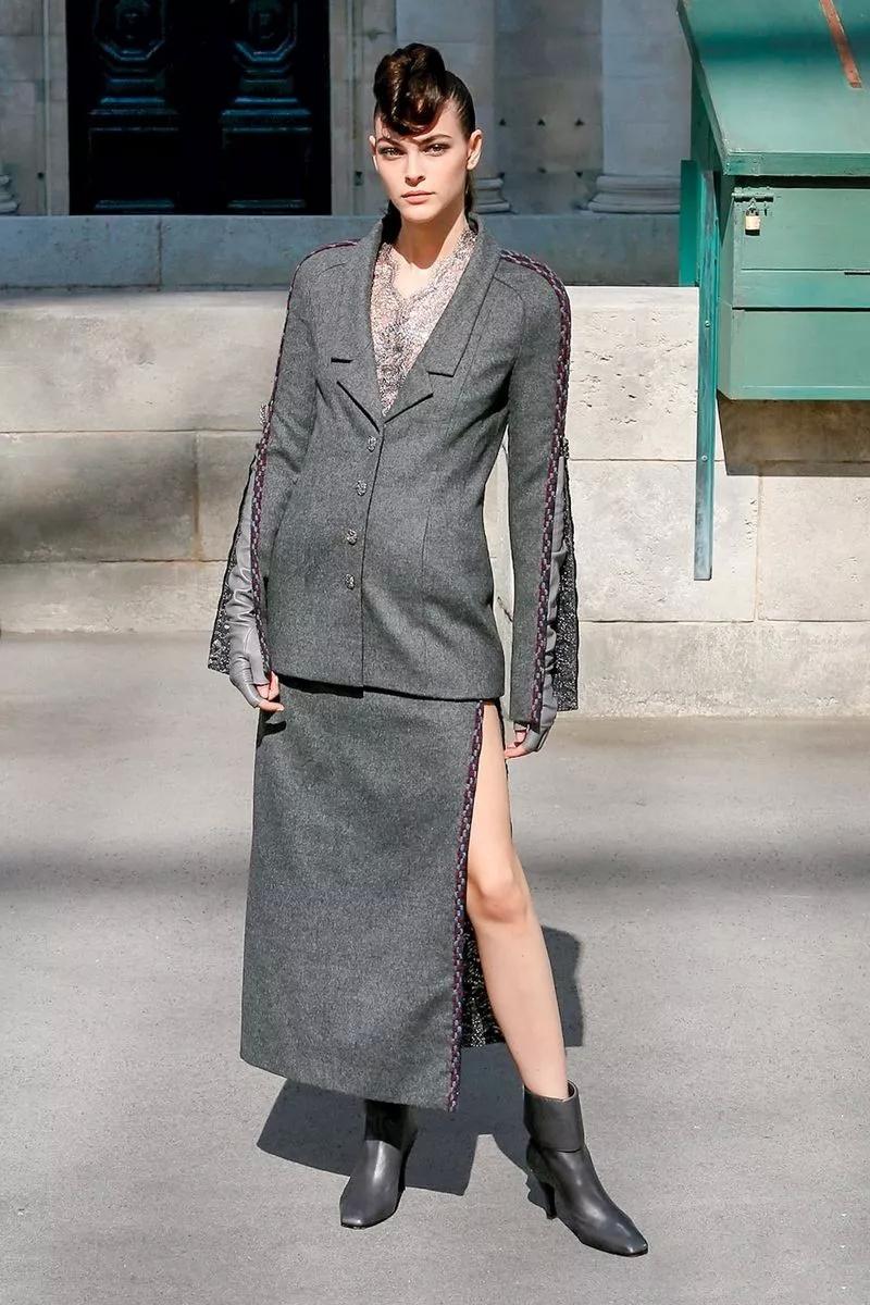 时尚 正文  h形服饰在20世纪20年代中期在欧洲广为流行,50年代再度图片