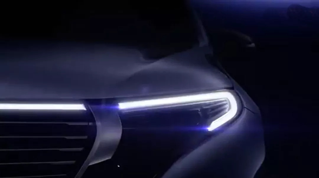 紧接成都车展,奔驰首款电动SUV EQC将首度无伪装亮相