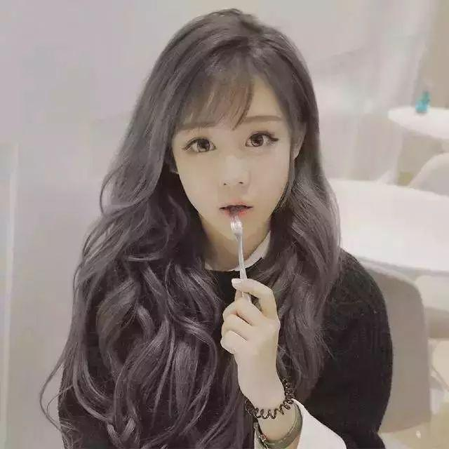 正文  四,圆脸斜刘海梨花头 头发简单没关系为自己换上这款长发波浪图片