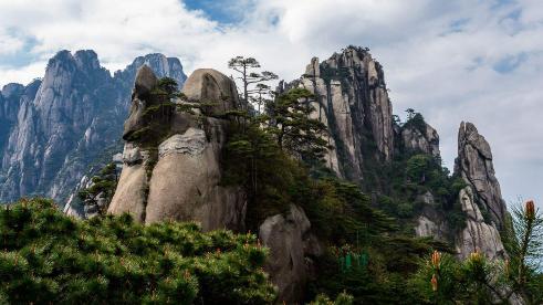 中国这座山最赚钱,不仅门票贵还掺杂各类付费项目,真是太坑人了