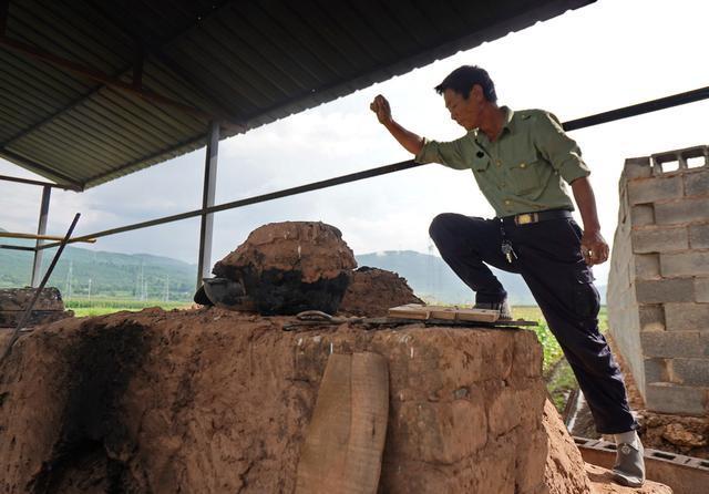 剑川窑口慢炖老鸭,几百年来只有土陶师傅独享,能品尝到的没几位