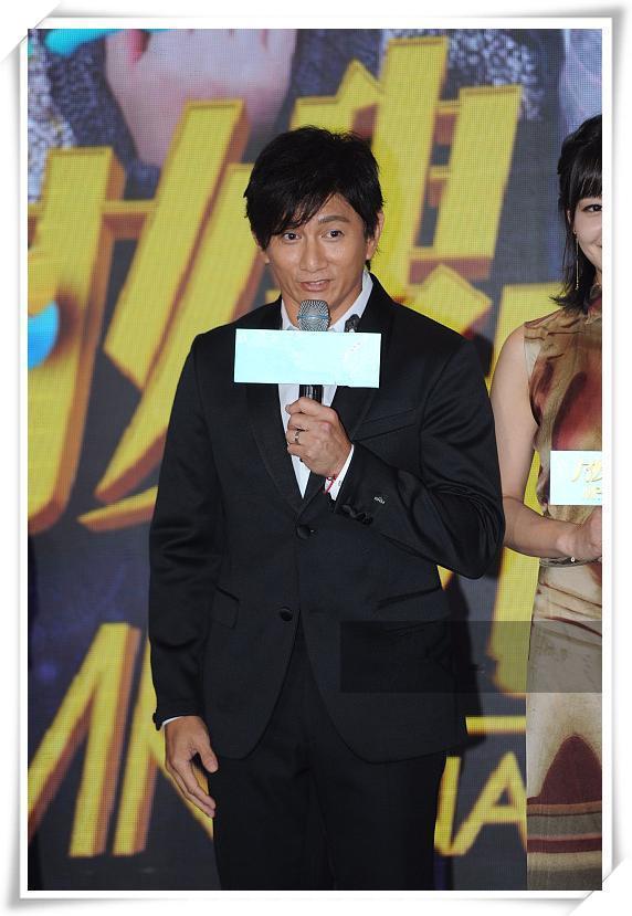 当47岁吴奇隆撞上44岁苏有朋,网友:乖乖虎没变,霹雳虎成大爷!