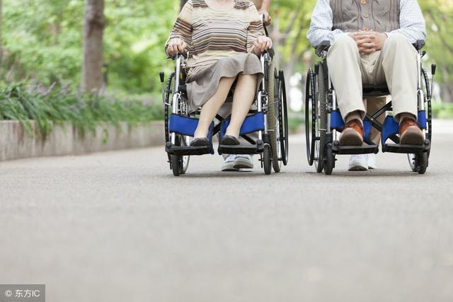 老年易摔倒:8因素4措施