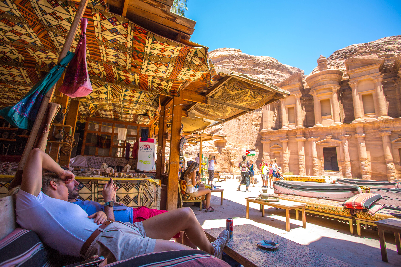 世界新七大奇跡的約旦古城,動物遭虐待,商人視其賺錢工具