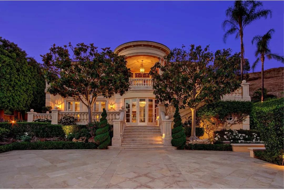 别墅装修属于第30天,给庭院v庭院一个分享你的别墅别墅有高边楼好吗私家花园图片
