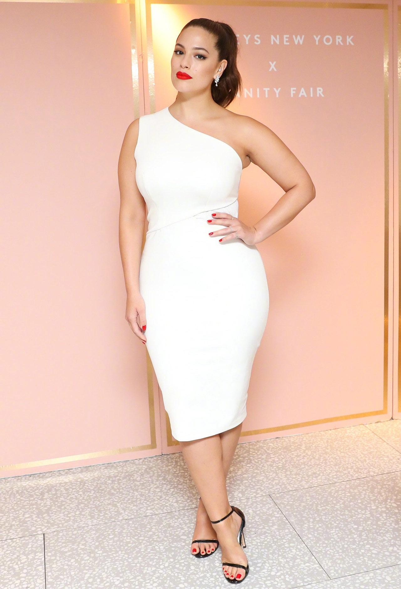 A型连衣裙, 肉女孩的显瘦利器, 不用减肥也能看着瘦