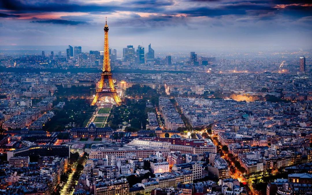 好像对每一个人来说, 巴黎都是人生中的一个情结
