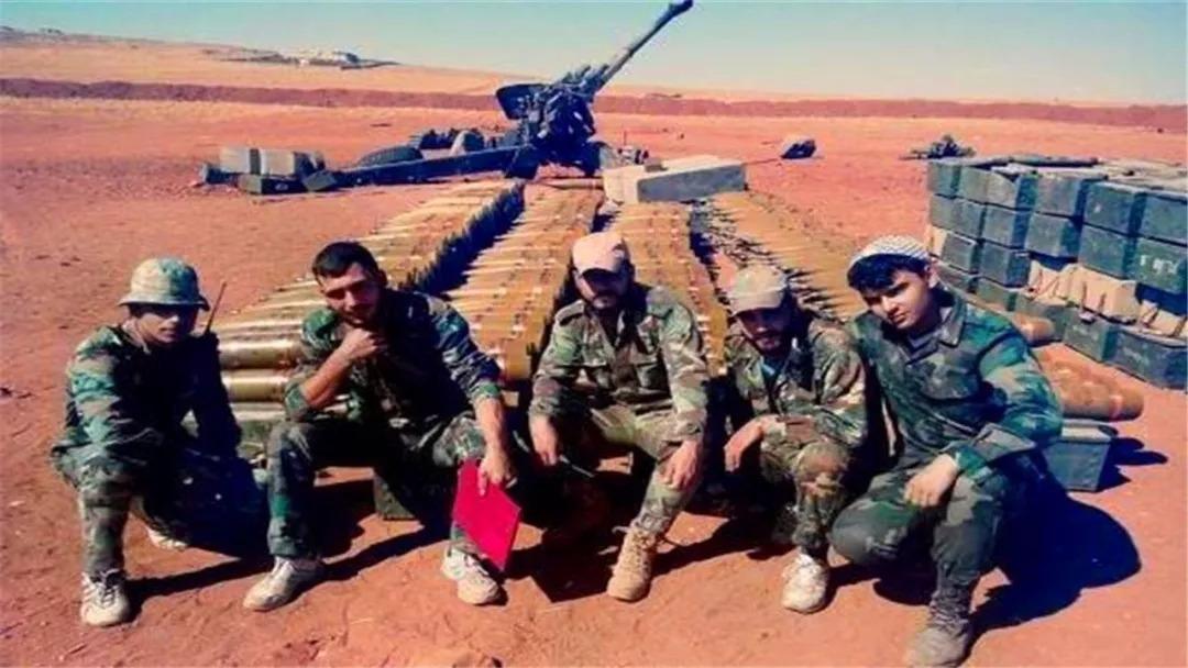 叛军认输一晚交出11吨炮弹,白宫极其失望称,要撤出叙境!
