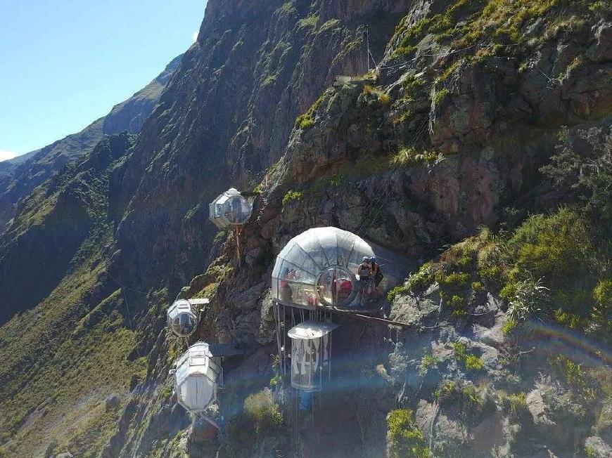 """全球最作死的酒店,脚底下就是悬崖,全玻璃设计让游客""""吓破胆"""""""