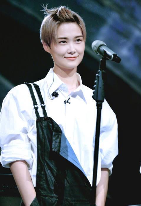李宇春诠释什么叫 整容级 穿搭,新造型又帅又美