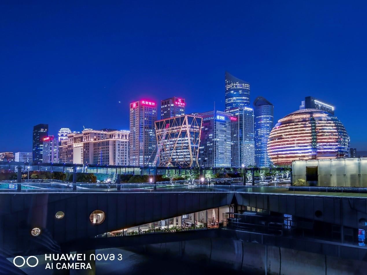 新增AIS手持超级夜景功能,华为nova3成了拍照新利器