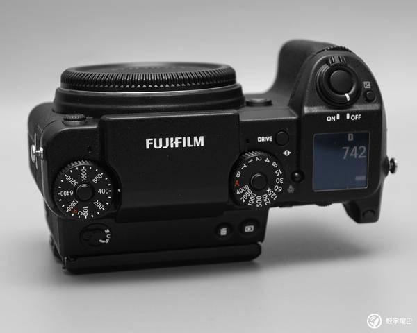 大一点再大一点!富士中画幅无反相机 GFX 50S 简评
