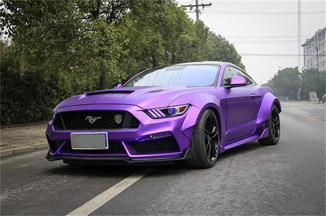 野马车身改色贴膜施工哑光电镀紫效果图
