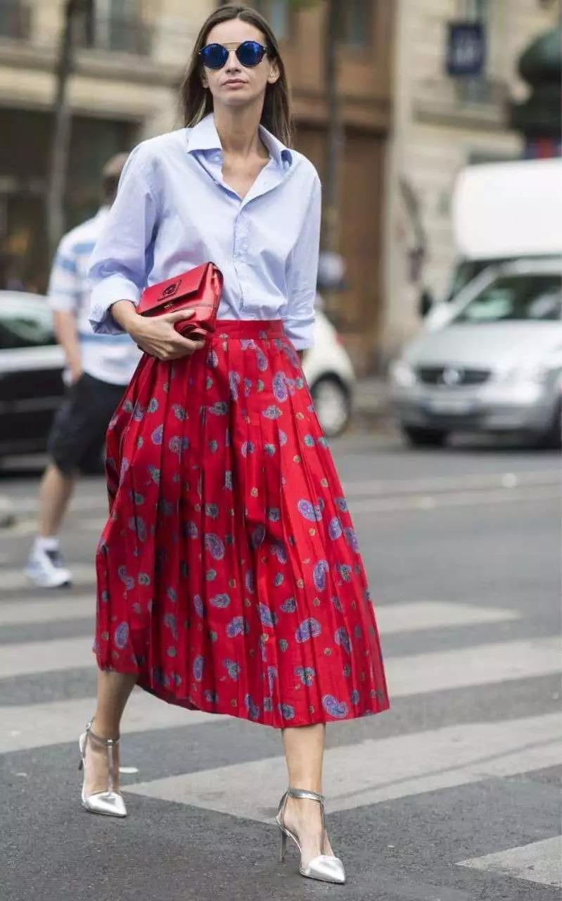 初秋必穿的半裙,这样搭配你比别人更时髦图片
