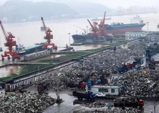 无法阻挡!百万吨洋垃圾涌入我国宝岛,美如释重负:终于找到下家