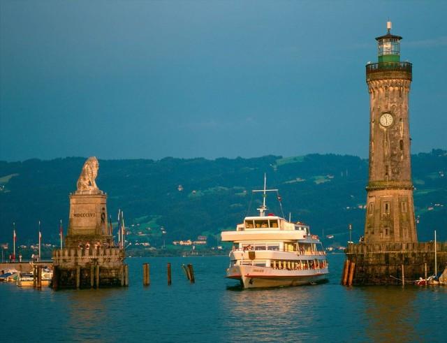 连奥斯卡大片都钟爱它!此生必看全球15座浪漫神秘的灯塔,够美吗?
