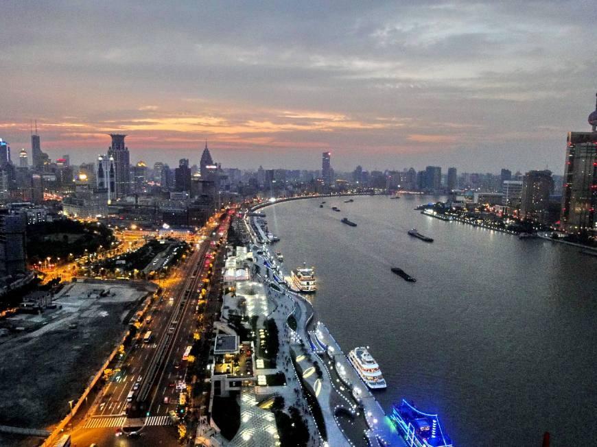 广东比上海经济总量_广东涉外经济学院宿舍(3)