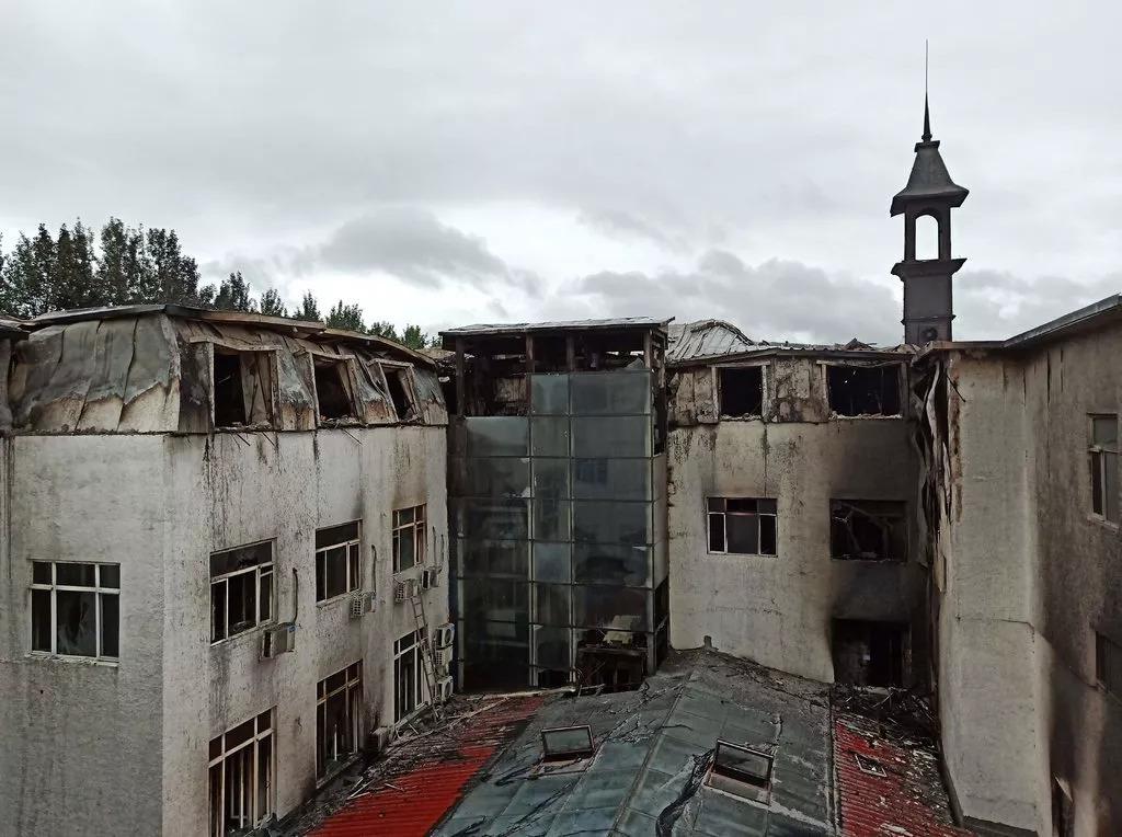 哈尔滨大火致20人死亡,酒店着火该如何逃生?