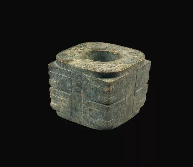 新石器时代良渚文化人面纹玉琮