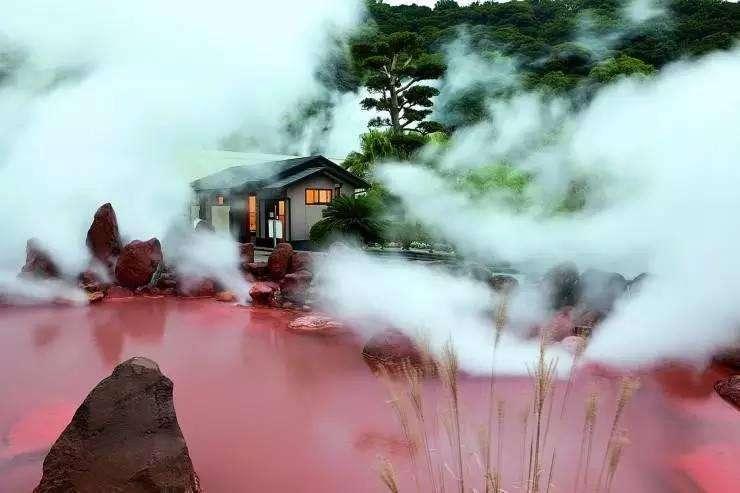 """日本最神秘的""""地狱""""温泉,泡之前一定要看警示牌,泡的不对会丧命"""