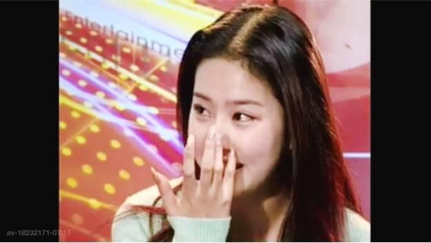 刘亦菲15岁旧照曝光 对着镜头抹眼泪惹人心疼 风格偶像 图2