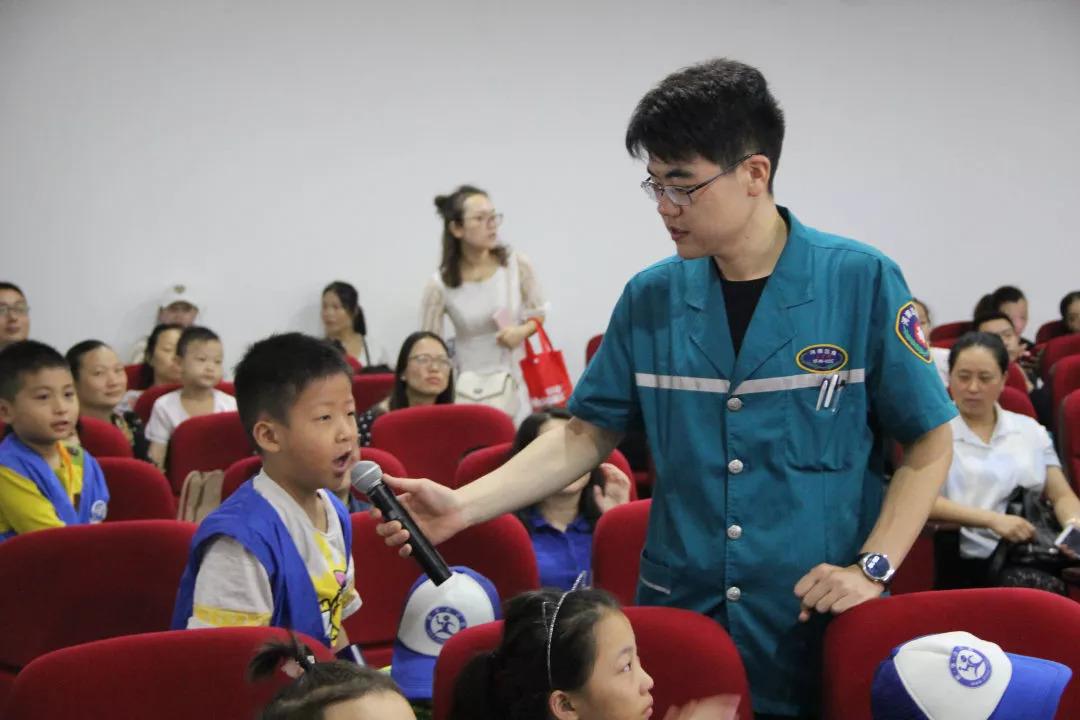 開學季!50名新華小記者變身「小小急救員」