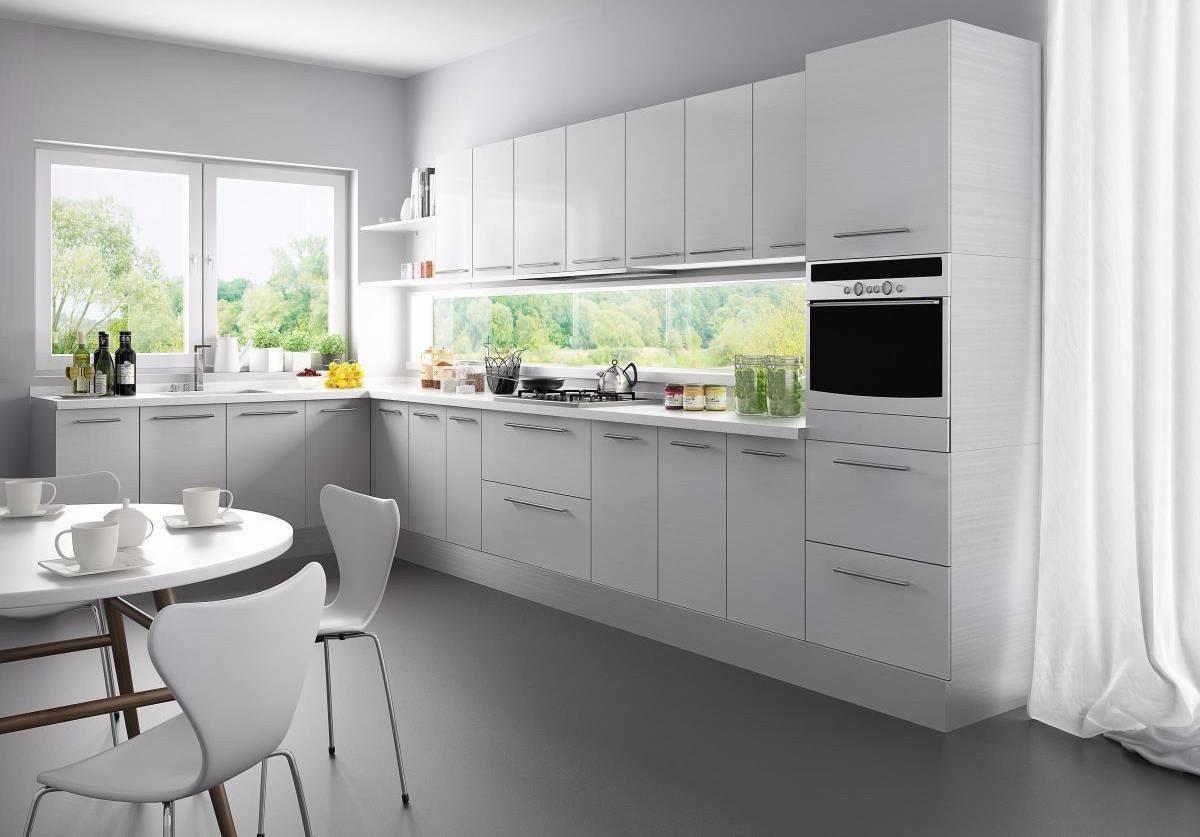 对于比较小的厨房我们可以选择一字型的装修风格,这样贴近墙面,不仅