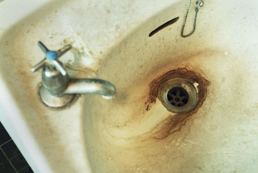 必赢水管清洗提醒:自来水一天中脏是这个时段