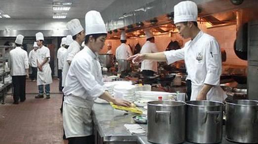 不懂餐饮隐性成本控制,毛利30万,纯利仅2万