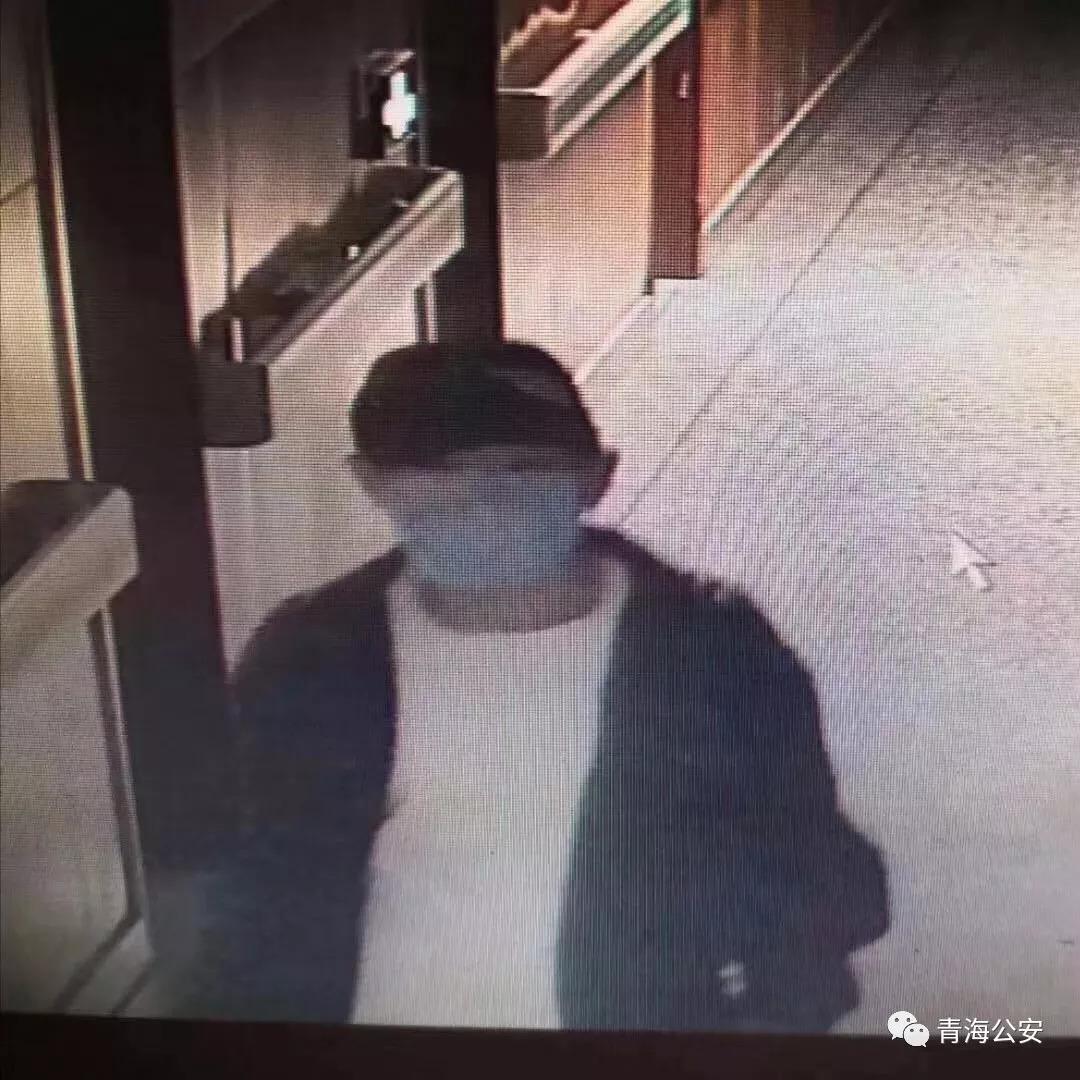 悬赏通缉口罩男,青海一商场黄金专柜上百万元物品被盗