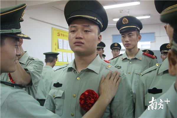 惠州武警退伍老兵:今朝脫下那心愛的戎裝,但脫不去一