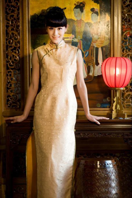 叶一茜的腰有多细,看她穿旗袍就知道了,网友:田亮眼光图片
