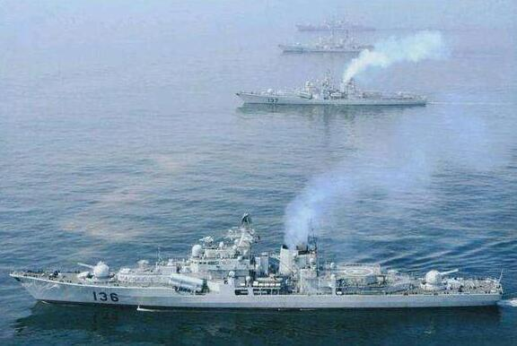 中国不再忍让,5艘军舰抵近美国海域,无视美军警告