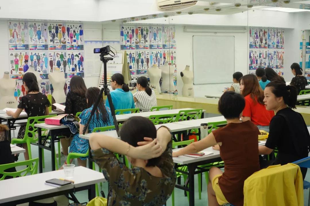 刘纪辉色彩与形象_182期cmb国际色彩形象顾问班开课啦,刘纪辉校长亲讲开班课!