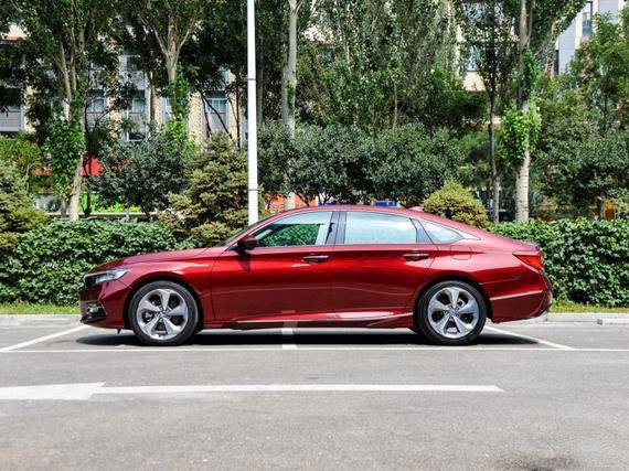 汽车 正文  作为广汽本田的战略车型,第十代雅阁(accord)sport turbo
